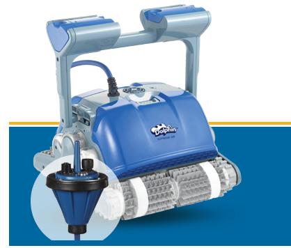 ハイエンド・モデルのプール掃除ロボット。充電式で、ブイが残りの電気量を知らせる。(http://www.maytronics.com/より)