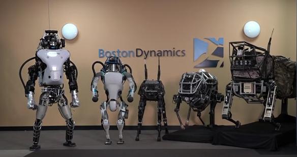 これだけのロボットは、一体どこへ行く? (http://www.bostondynamics.com/より)