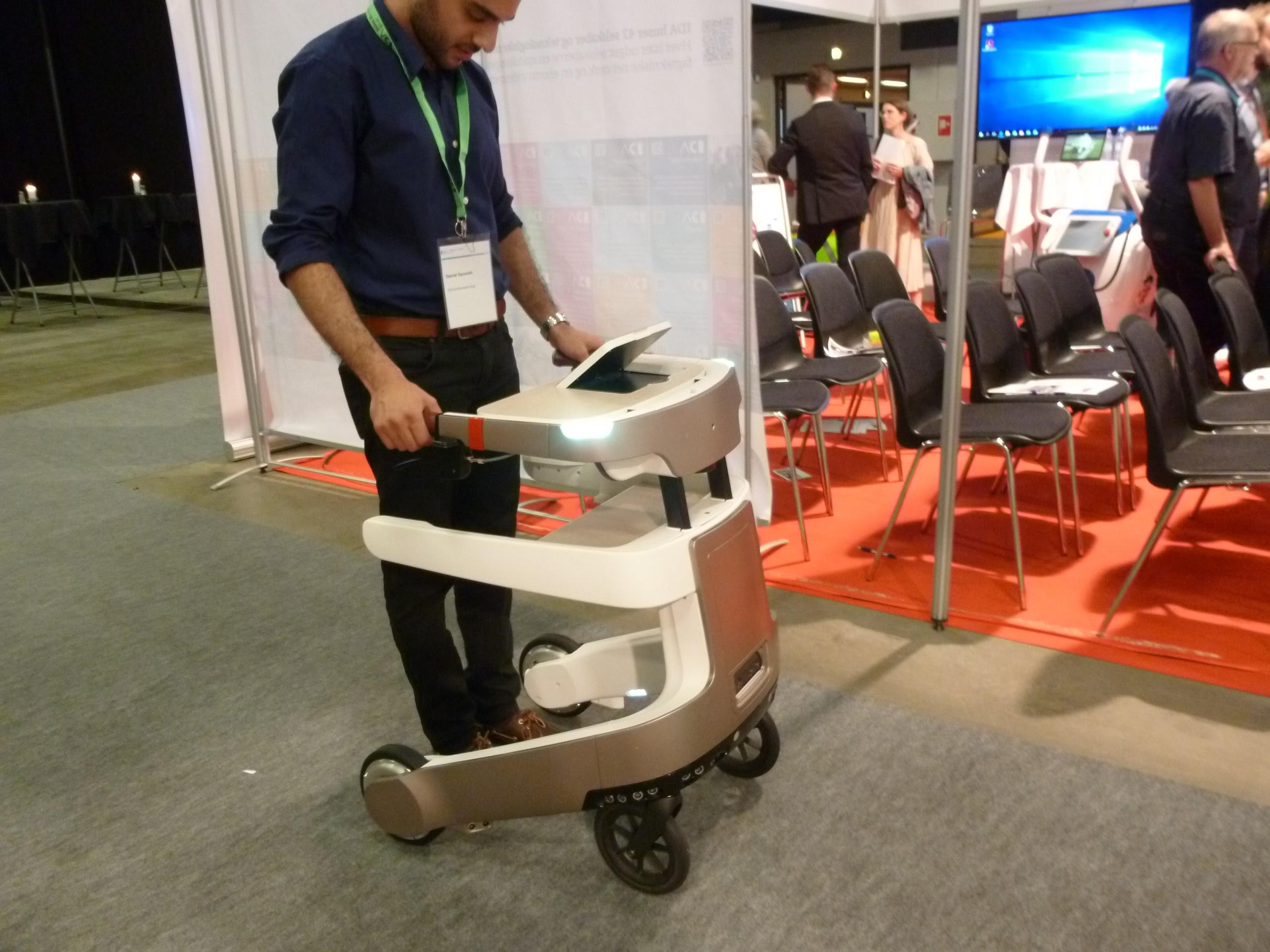 歩行補助ロボットのレア