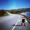 ヒッチハイクで大陸横断に挑むロボット?